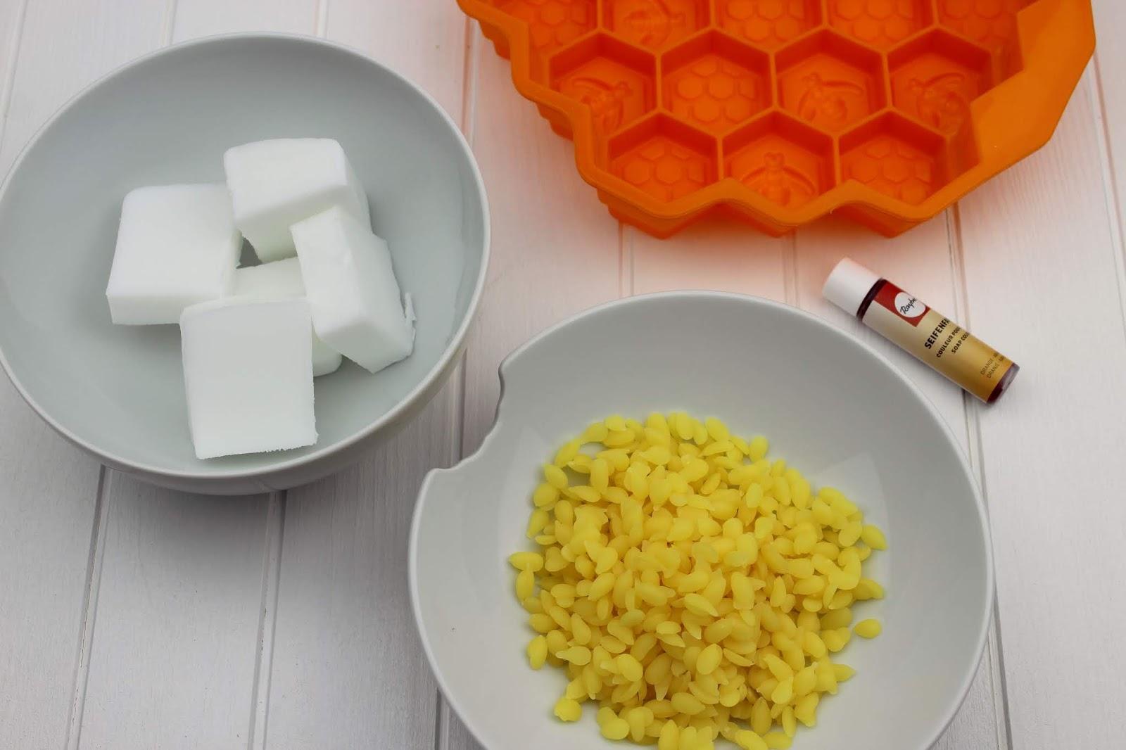 DIY: Seife aus Bienenwachs selber machen - perfekte Geschenkidee zu jedem Anlass