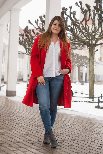 Czerwony Płaszcz Stylizacja