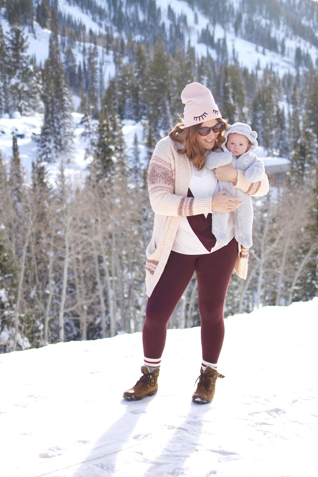 long cardigan, mountain, cute hiking outfit, cecile ugg boot