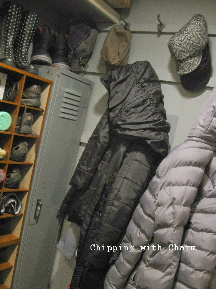 Chipping with Charm: Basement Entry Peek...www.chippingwithcharm.blogspot.com