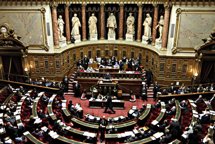Sacralización y Secularización de las Formas Políticas