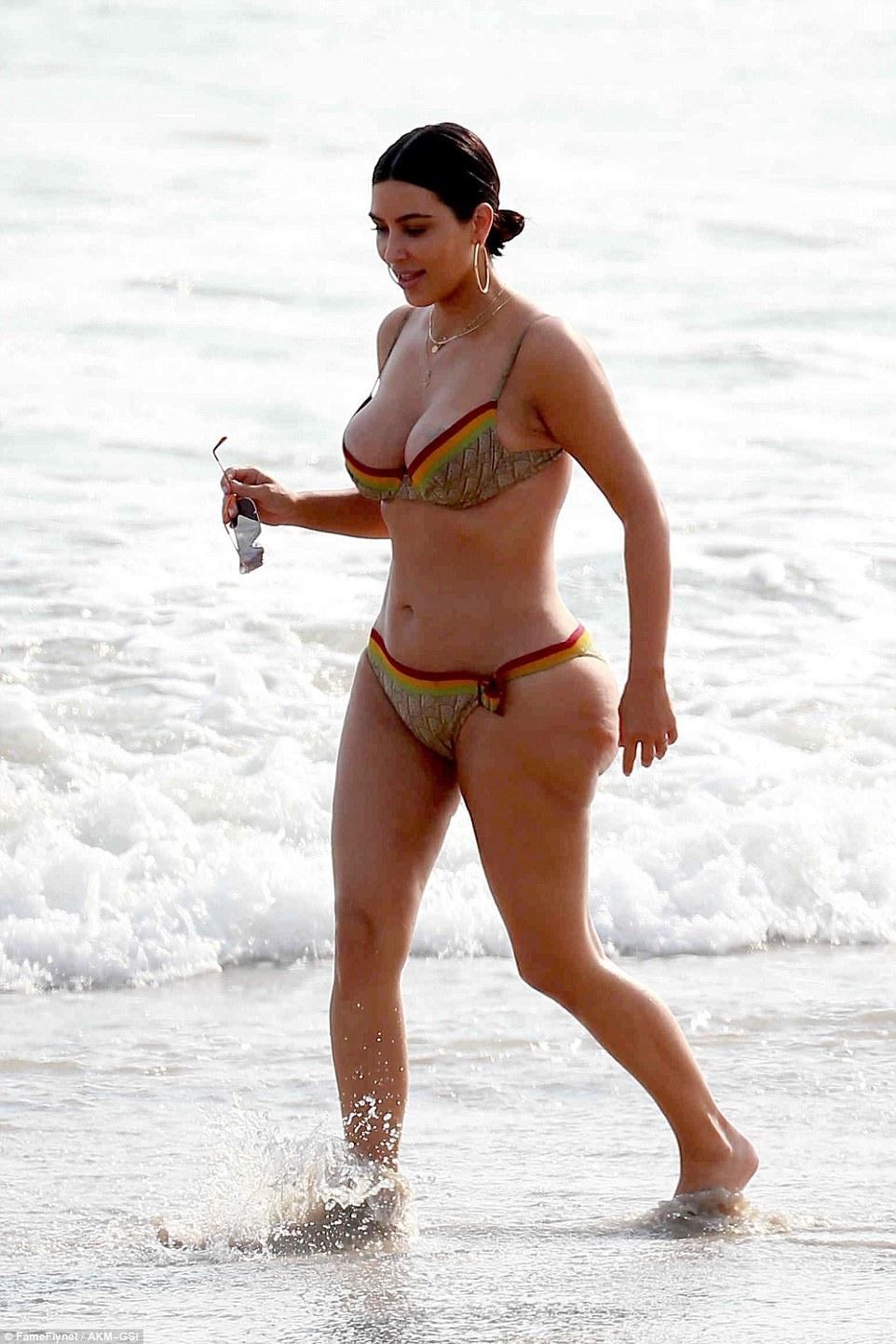 Kim Kardashian spills out curves in skimpy bikini in Mexico