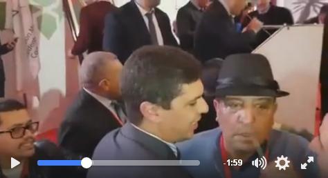 """رئيس الكارة مكرم """"محايح"""" على البيجدي  بقاعة الجمع العام للجمعية المغربية لرؤساء المجالس الجماعية"""