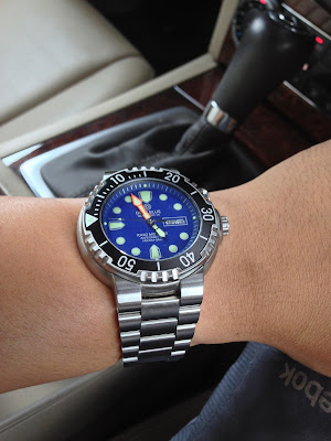 http://westernwatch.blogspot.com/2013/11/deep-blue-pro-seadiver-1k-blue-dial.html