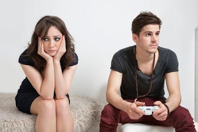Hubungan yang sudah berjalan usang tanpa ada hal hal gres yang terjadi dalam setiap hubunga Tips Mengatasi Kebosanan / Kejenuhan Dalam Hubungan