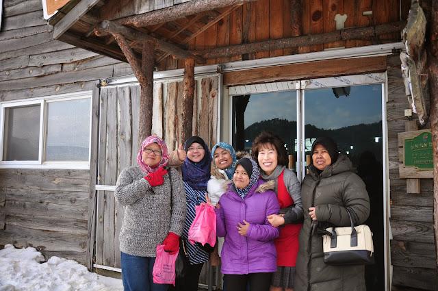 Travel Korea, Tempat Pembuatan Keju Dan Hasil Tenusu Di Korea, Seoul, Kelas Buat Keju, Ternakan Kambing Biri-Biri di Korea, Kambing Biri-Biri Comel,CARA-CARA NAK BUAT KEJU DARI PRODUCT TENUSU, KEJU, SUSU LEMBU, KOREA,