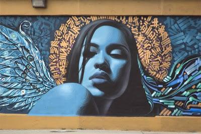 Arte Urbano  mujer con alas de ángel