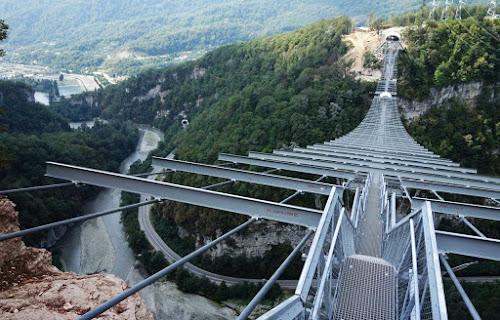 Maior ponte suspensa para pedestres do mundo - Sochi - Rússia