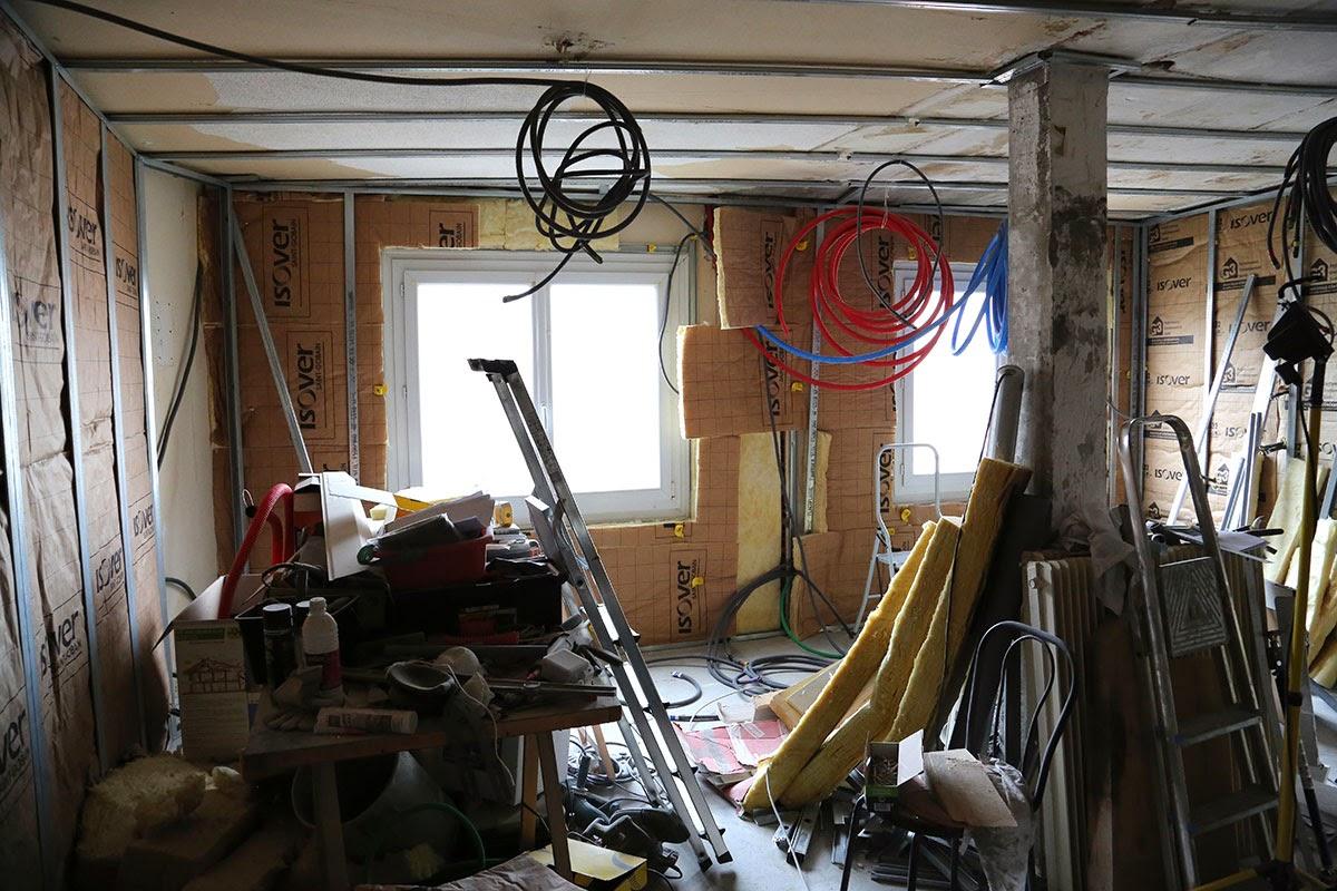 r novation de ma maison isolation au 1er tage salon cuisine. Black Bedroom Furniture Sets. Home Design Ideas