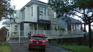 Villa Kolam Renang Ceri Kota Batu Malang
