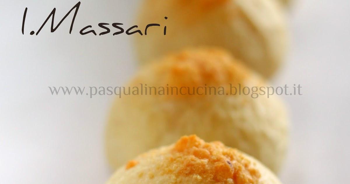 Pasqualina in cucina panini patate e grana di iginio massari - Invasione di formiche in cucina ...