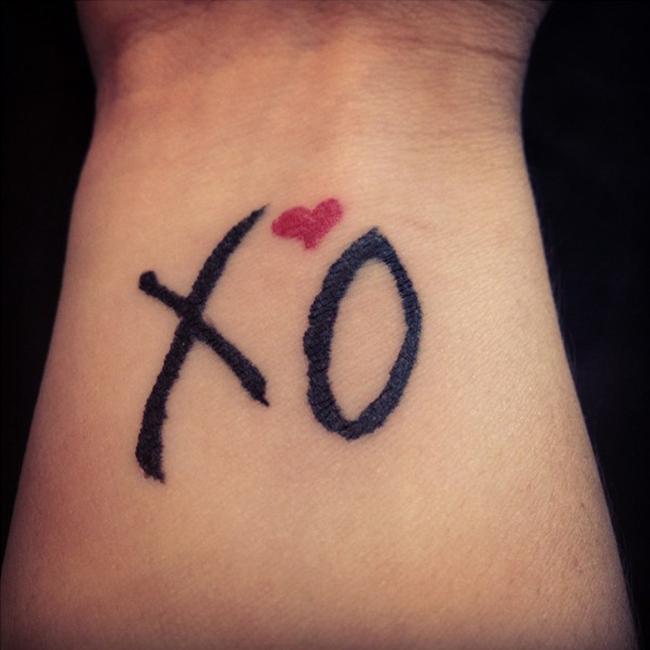 Tatuajes para amigas de letras XOXO | Belagoria | la web de los ...