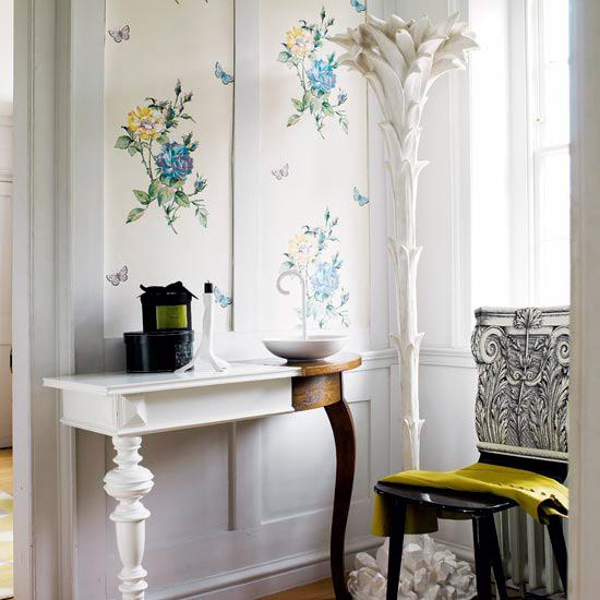 New Home Interior Design: Traditional Hallway