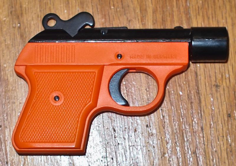 The Casual Shooter: Blank Guns, Gas Guns, Flare Guns and Cheap  22s