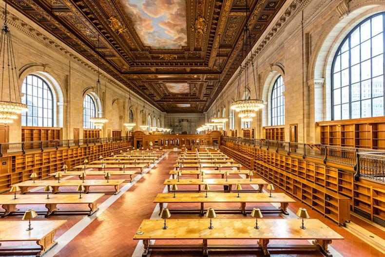 La librería publica de New York revela la sala principal de lectura después de una renovación de dos años