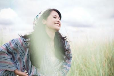 5 Aktivitas Aneh Cewek yang Tak Pernah Diberitahu ke Siapapun, No. 3 Yang Sering Kamu Lakukan