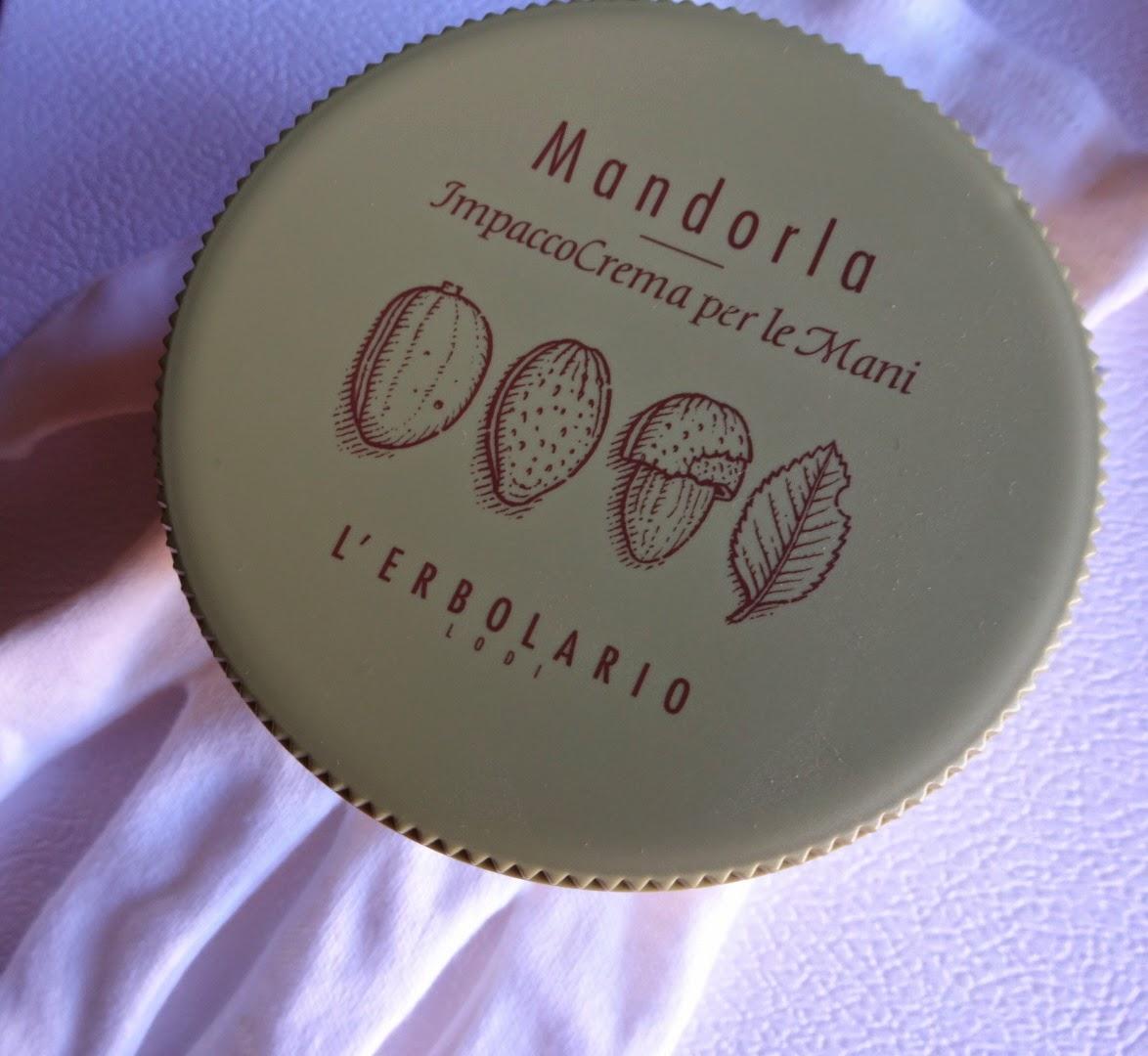 erbolario mandorla impacco crema mani, prodotti preferiti make up, mani secche crema