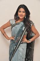 HeyAndhra Where is Vidyabalan heroine Jyothi Seth glam pics HeyAndhra.com