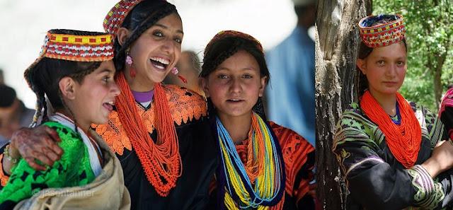 Kafiristan Belgeseli - Coşkun Aral Anlatıyor