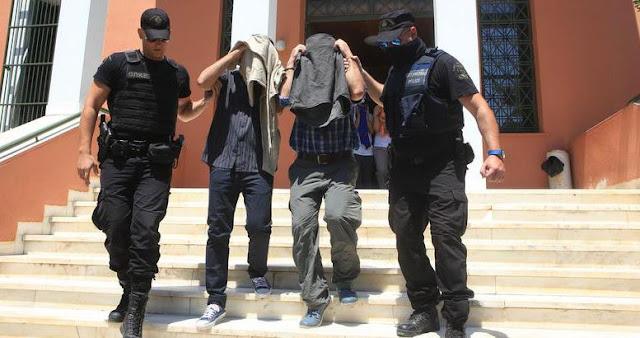 """""""Πακετάρουν"""" τους τούρκους στρατιωτικούς για τον Ερντογάν"""