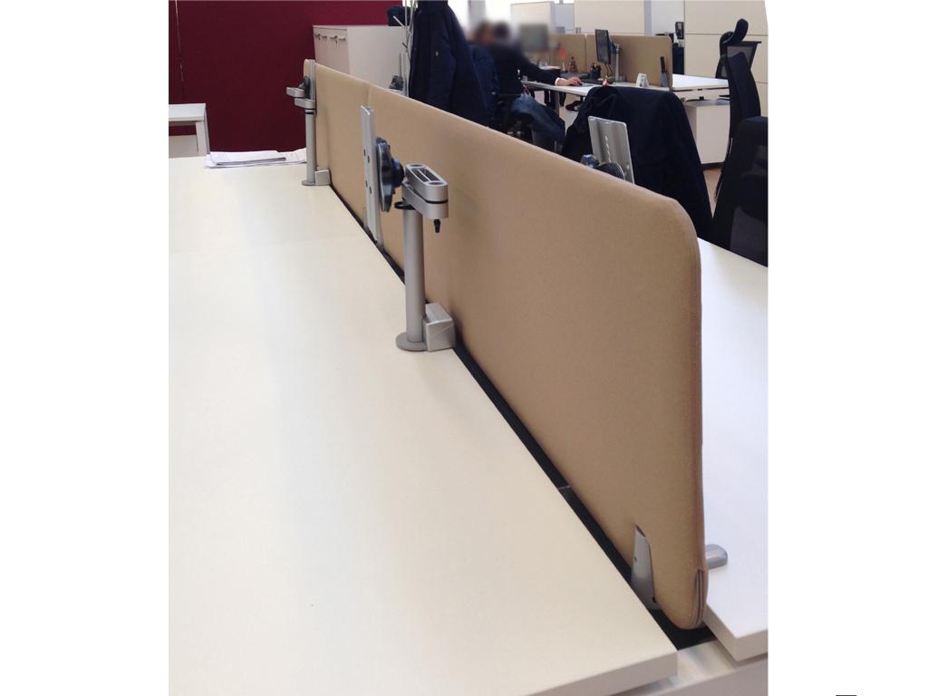 Arredo ufficio e pannelli fonoassorbenti schermi for Divisori per scrivanie ufficio