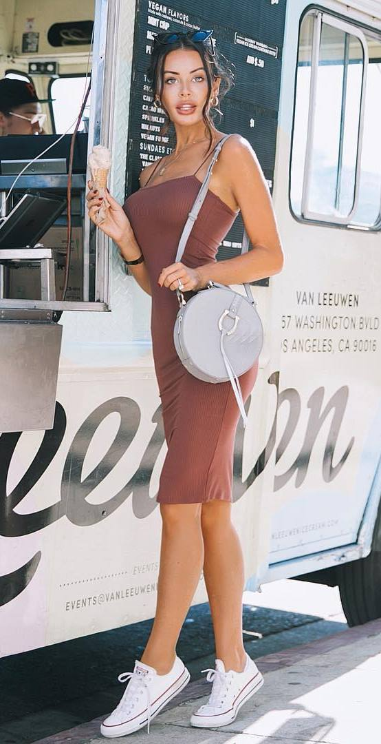ootd_bodycon dress + grey bag + converse
