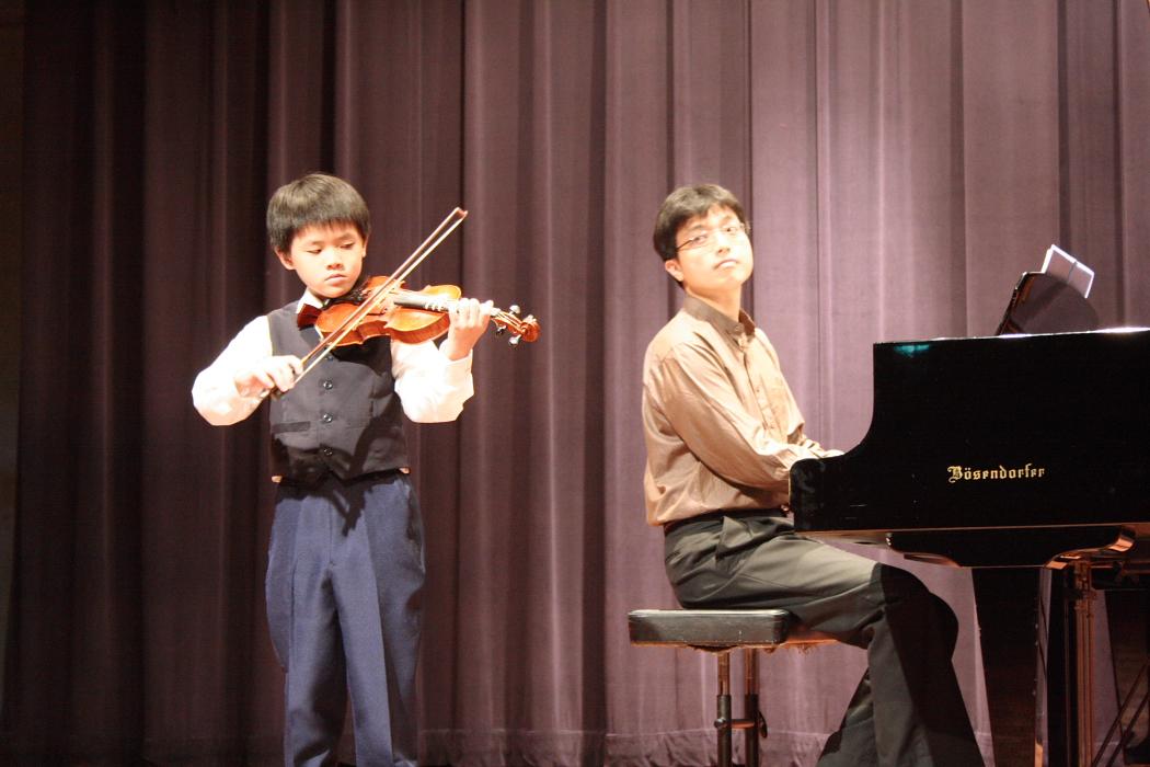 表演。讓孩子提早體驗獨立和自信 ~ 鋼琴老師的秘密