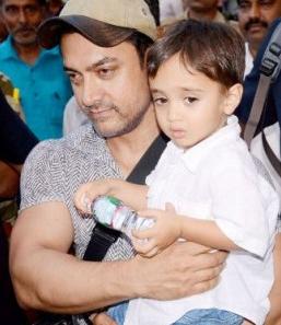 Foto Aamir Khan dengan anaknya Azad Rao Khan