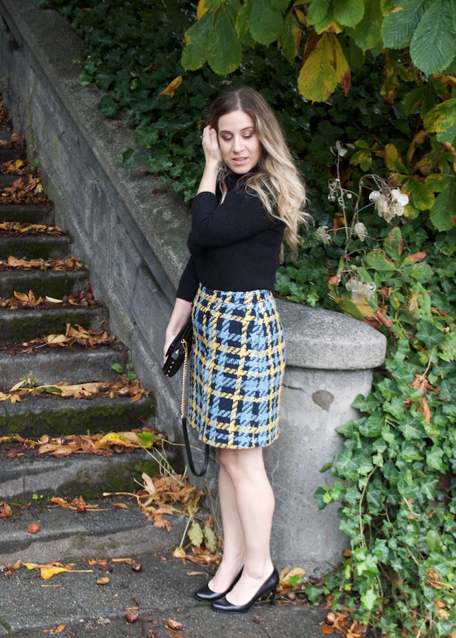 Black Cashmere Sweater, Tweed plaid Skirt, Office Outfit