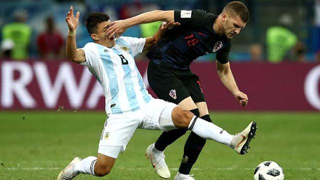 """Video Argentina - Croatia: Thảm họa thủ môn, """"địa chấn"""" toàn cầu"""