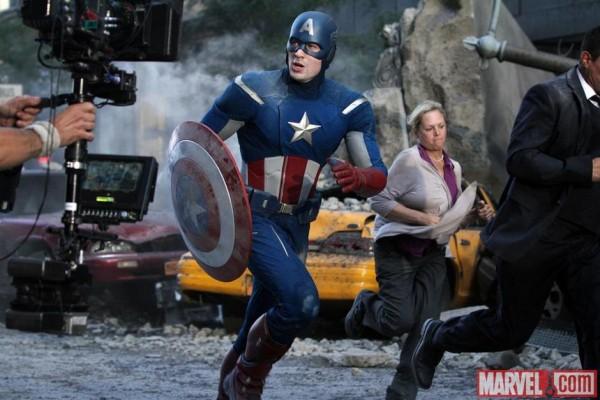 http://3.bp.blogspot.com/-3OXpAVEeIOg/T3tsgqkv_bI/AAAAAAAADhQ/Mf31-FXdssg/s1600/Capitan+America+The+Avengers.jpg