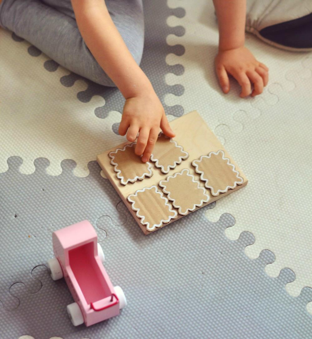 DIY: pierniczki z tektury (do zabawy i nie tylko!)