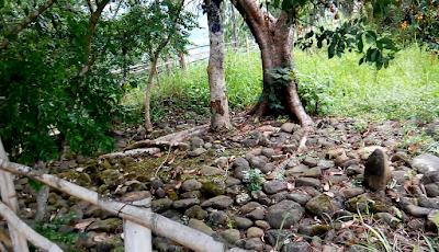 Makam di puncak bukit tangkeban