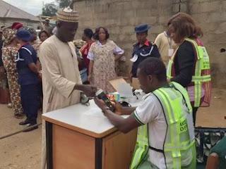 Labaran chikin kasa Nigeria :::  ka idojin INEC ta bayyana hanyoyi 7 da masu zabe zasu bi wajen kada kuri'arsu
