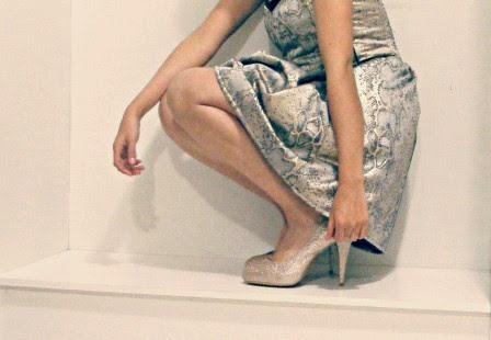 http://outfitdeldia.blogspot.com/2014/11/elegante-en-dorado.html