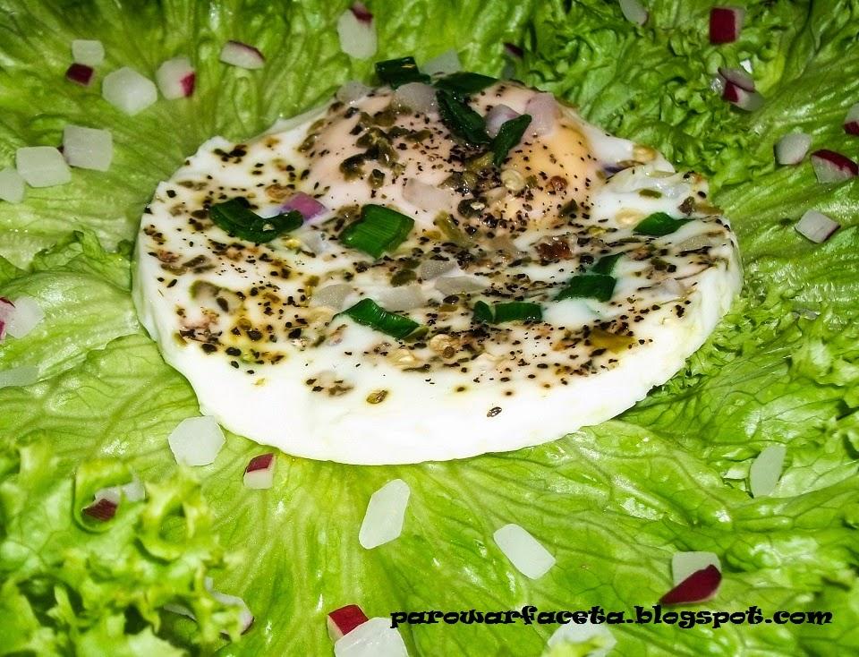 jajko sadzone w parowarze, z parowaru , na parze