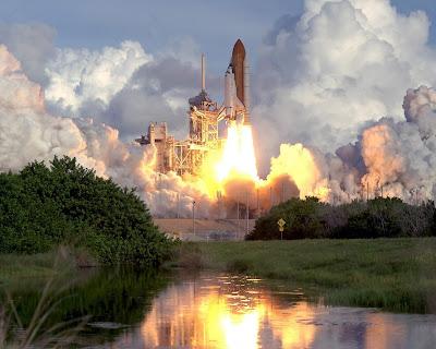 Metamora Herald rocket taking off