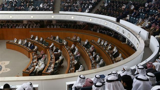 Kuwait's emir urges unity amid growing dissatisfaction with austerity