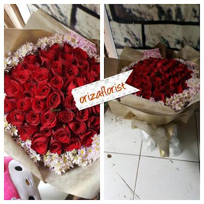 tempat jual mawar merah di surabaya, jual hand bouquet murah di surabaya, jual hand bouquet wedding surabaya,