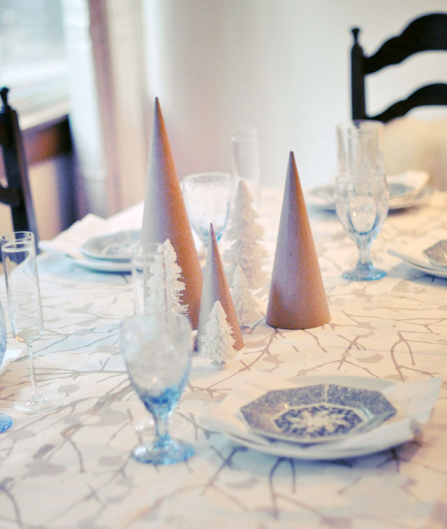 white and blue woodsy christmas tabletop