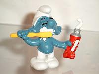 smurf toothbrushing