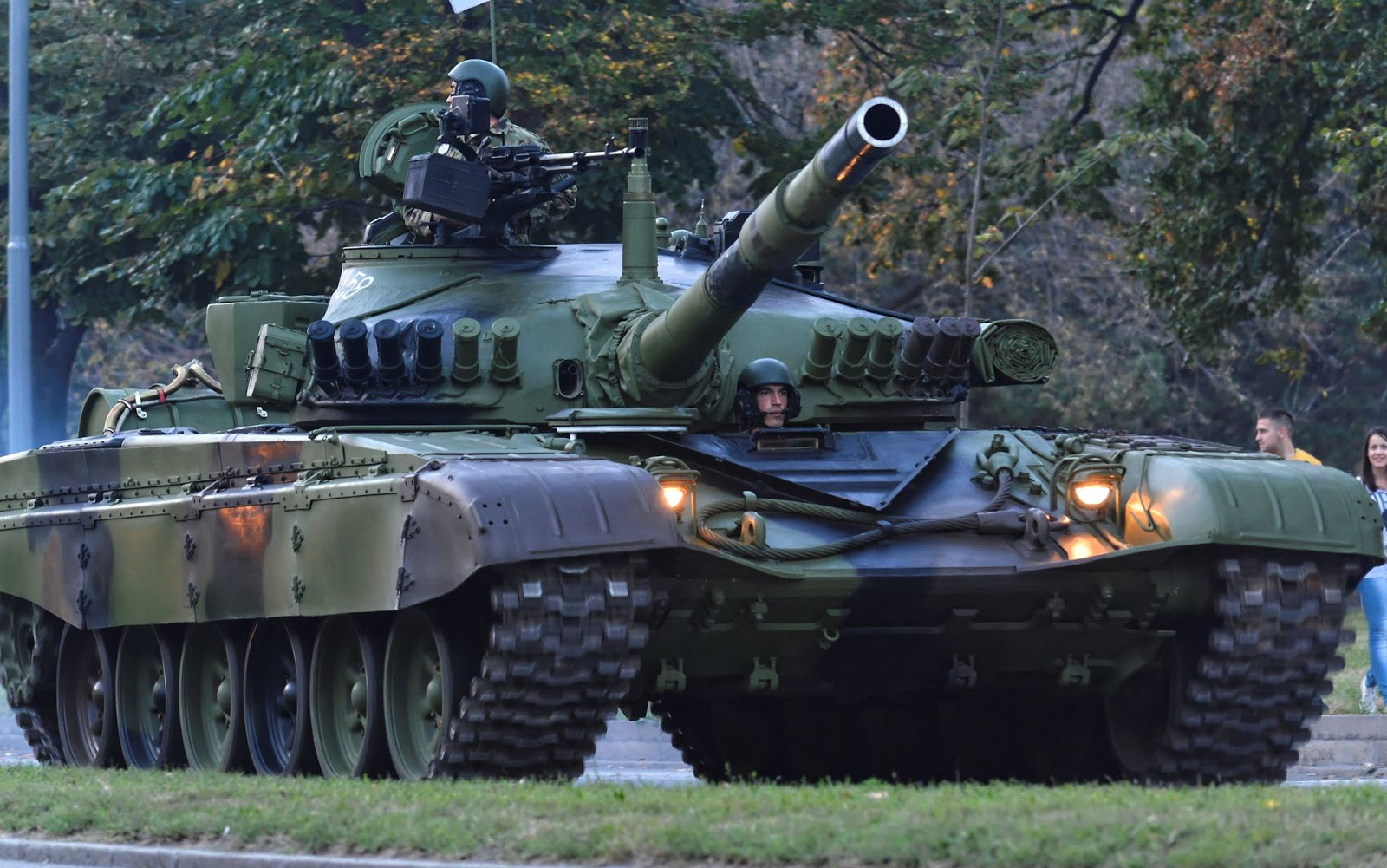 The M-84 is the name of the main battle tank of the former JNA, which was produced under license from the Soviet tank T-72 in the former Yugoslavia.