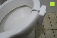 Toilettenrand: Bonlux Bewegung aktiviert LED-WC-Nachtlicht 16 Farben ändern Batteriebetriebene automatische Sensor-LED-Nachtlicht für Badezimmer Waschraum -WC-Schüssel Sitz Lampe [Energieklasse A+]
