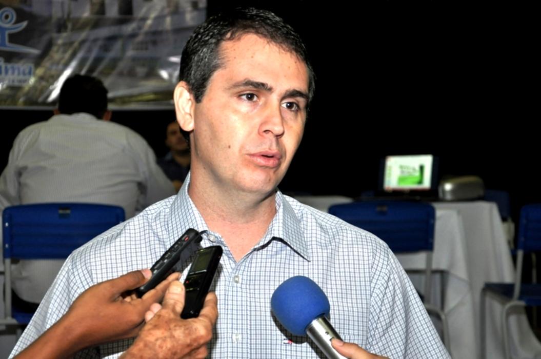 MARCUS ALEXANDRE CONVOCA APROVADOS NO ÚLTIMO CONCURSO DA SEME