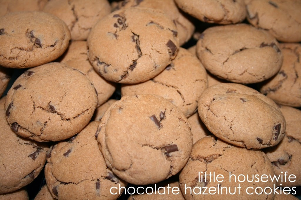 Little Housewife: Chocolate Hazelnut Cookies