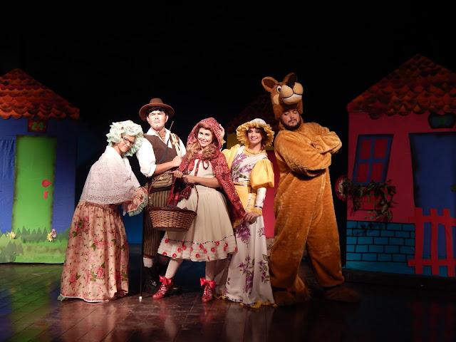Musical infantil Chapeuzinho Vermelho  no Teatro Barreto Júnior Humantoche Produções