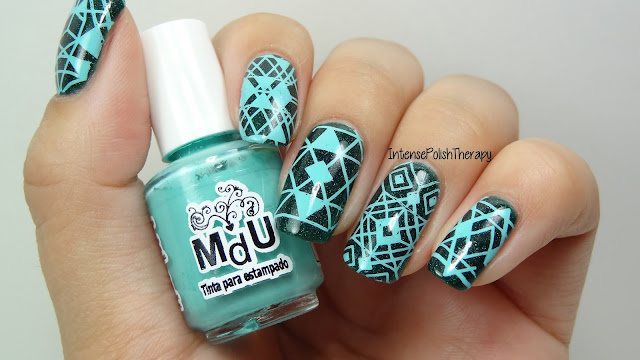 Mint Triangles Manicure