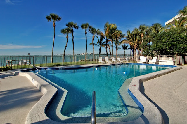 Swimming Pool with Beautiful Scenery at Siesta Key Resort