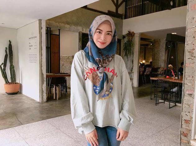 Intip Gaya Hijab Ayana Moon Hijaber Korea Selatan Yuk
