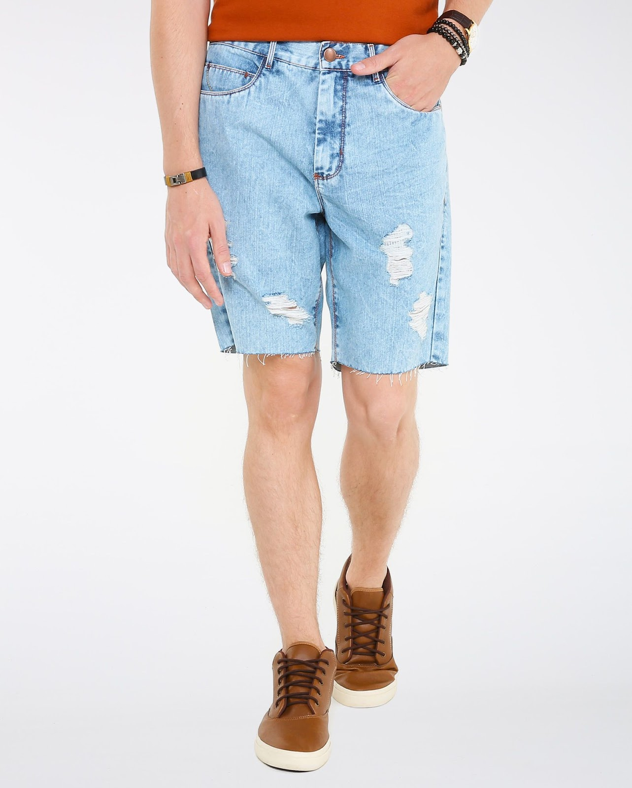 LEO KLEIN - KADU DANTAS PARA RIACHUELO - Bermuda Jeans Destroyed